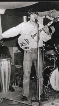 David Gilmour performing live with Jokers Wild in the mid 1960s.