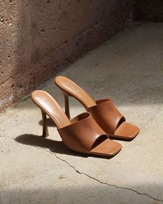 x - Women Trends High Heels, Shoes Heels, Tan Shoes, Strap Heels, Mode Shoes, Designer Heels, Summer Shoes, Me Too Shoes, Heeled Mules