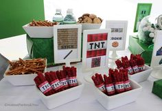 Minecraft Themed Birthday Party would so be for my cuz lindsey if she was yonger :) 9th Birthday Parties, Minecraft Birthday Party, Birthday Ideas, Minecraft Food, Kids Party Snacks, Jasmine Party, Party Time, Party Ideas, Food Ideas