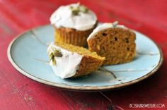 {Healthy Pumpkin Muffins} + Bob's Red Mill Giveaway! | Nosh and Nourish