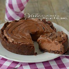 Cheesecake fredda al cioccolato ricetta facile, senza cottura o quasi e senza colla di pesce, ideale per tutti, un dolce estivo veloce ricco di cioccolato