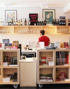 Paard van Troje, bookshop, thea, coffee & cake. Gent.
