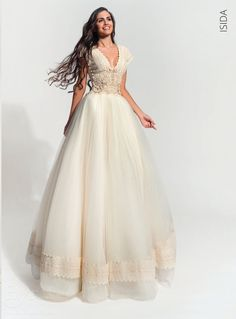 ATELIER ZOLOTAS Collection 2017 : Νυφικό ATELIER ZOLOTAS Isida Diy Clothes, Flower Girl Dresses, Swimsuits, Bride, Chic, Wedding Dresses, Collection, Kiss, Weddings