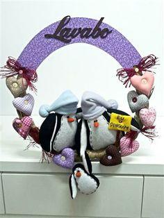 Guirlanda de casal de pinguim com corações