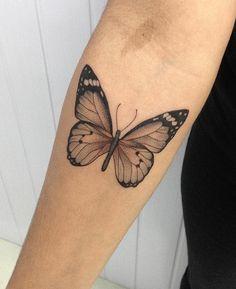 Tatouages papillon Tatouages papillon – Famous Last Words Future Tattoos, Love Tattoos, Unique Tattoos, Beautiful Tattoos, New Tattoos, Small Tattoos, Tatoos, Spine Tattoos, Body Art Tattoos