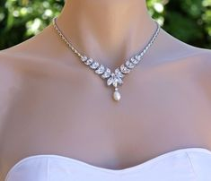 Collier de mariée cristal perle goutte cristal collier Diamond Necklace Set, Drop Necklace, Crystal Necklace, Jewelry Shop, Jewelry Necklaces, Women Jewelry, Fashion Jewelry, Wedding Jewelry Sets, Swarovski Jewelry