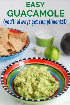 This basic guacamole recipe couldn& be easier with just four simple ingredients. Make this easy guacamole and wait for the compliments to roll in! Avocado Guacamole, Guacamole Recipe Easy, Homemade Guacamole, Avocado Recipes, Healthy Vegetable Recipes, Vegetarian Recipes Easy, Healthy Snacks, Vegetarian Options, Vegetarian Appetizers