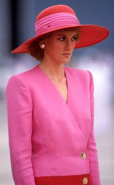 10 Trends Que A Princesa Diana Usou Antes de Se Tornarem Tendências