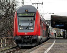 6 Doppelstockwagen der 12. Generation als RE5 nach Koblenz.  _  Mit @oepnvbilder und @philippw31  _  #BR146
