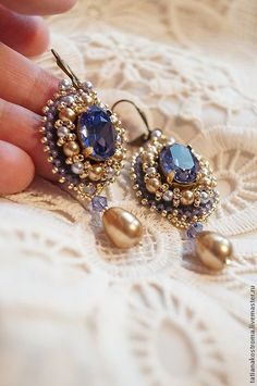 Купить или заказать Серьги 'Фиолетовый закат' в интернет-магазине на Ярмарке Мастеров. Серьги выполнены в технике вышивка бисером. В вышивке кристаллы Сваровски, жемчуг и бусины Сваровски, японский бисер. Обратная сторона натуральная кожа фиолетового цвета. Швензы - латунь… Ear Jewelry, Jewelery, Jewelry Making, Handcrafted Jewelry, Earrings Handmade, Beaded Jewelry Designs, Lesage, Bead Embroidery Jewelry, Imitation Jewelry