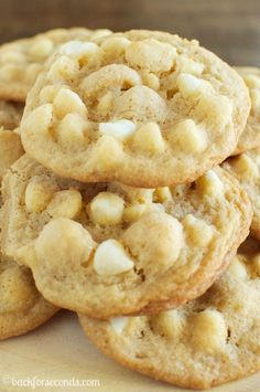 The BEST Chewy White Chocolate Macadamia Nut Cookies - Page 2 of 2 - Back for Seconds White Chocolate Macadamia Cookies, Macadamia Nut Cookies, White Chocolate Chips, White Choc Chip Cookies, Macadamia Nut Recipes, White Chocolate Desserts, Baking Recipes, Cookie Recipes, Dessert Recipes