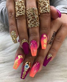 It's important to maintain the fashion and popularity of nails. In order to achieve your style in this spring, there is no better choice than coffin nails. Coffin nails can be short or long. Long coffin nails are bold and fashionable. The coffin nail Dope Nails, Bling Nails, Fun Nails, Bling Bling, Perfect Nails, Gorgeous Nails, Pretty Nails, Acrylic Nail Designs, Nail Art Designs
