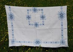 Handmade traditional Italian embroidered by ArtCottonCandy on Etsy, €81.00