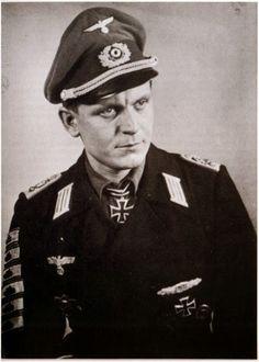 """Leutnant der Reserve Friedrich Anding --- Adjutant Panzer Jäger Abteilung """"Großdeutschland"""". - http://www.das-ritterkreuz.de/index_search_db.php4?modul=search_result_det&wert1=67&searchword=anding"""