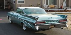 can remember my family having one of these 59 bonniville's when i was about 7 years old,awesome car