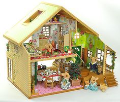 fistuff-Sylvanian-Families-Xmas-Decorated-Woodland-Lodge-Large-House-Lots
