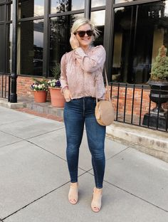 Best Clothing Styles For Women Over 50 - Fashion Trends Summer Work Outfits, Fall Outfits, Casual Outfits, Cute Outfits, Fashion Outfits, Casual Wear, Denim Outfits, Casual Fall, Fashion Clothes