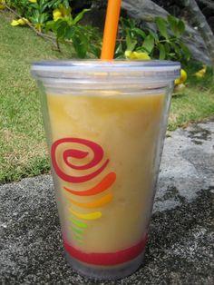 My favorite jamba juice smoothie: mango a go go Smoothie Drinks, Smoothie Recipes, Smoothies, Juice Smoothie, Bar Drinks, Non Alcoholic Drinks, Beverages, Cocktails, Jamba Juice