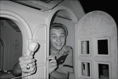 Crazed Leo in a plastic play house. Fave kind of Leo really. Pretty Boys, Cute Boys, Leonardo Dicapro, Bae, Young Leonardo Dicaprio, Models, Handsome Boys, In Hollywood, Celebrity Crush