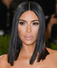 We've rounded up our all time favorite long bob haircut looks. These long lob looks will frame any face shape beautifully and are must-tries for this season. Bob Haircut Black Hair, Lob Haircut, Long Bob Haircuts, Long Bob Hairstyles, Fashion Hairstyles, Bridal Hairstyles, Pretty Hairstyles, Kim Kardashian Cabelo, Kim Kardashian Haircut