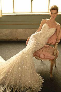 Robe de mariée brodée coupe sirène