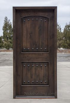 Rustic Doors Single Exterior Door in Knotty Alder Wood. This door is perfect to give a rustic feel to your home. stained in a walnut color. This door can be stained to be any color because it is a natural wood door. Wood Front Doors, Front Door Entrance, Rustic Doors, Wooden Doors, Front Entry, Rustic Barn, Door Entry, Oak Doors, Rustic Feel