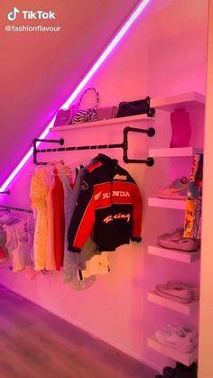 Indie Room Decor, Cute Bedroom Decor, Bedroom Decor For Teen Girls, Room Design Bedroom, Teen Room Decor, Aesthetic Room Decor, Room Ideas Bedroom, Neon Bedroom, Chill Room