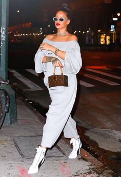September 22: Rihanna out in NYC