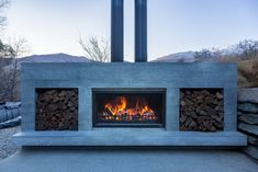 Outdoor Living Areas, Outdoor Spaces, Modern Outdoor Fireplace, Standing Fireplace, Modern Lake House, Outdoor Settings, Stunning View, Outdoor Entertaining, Central Otago