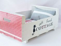 Cat bed  handmade  recycled  french cottage  by TandTatelier