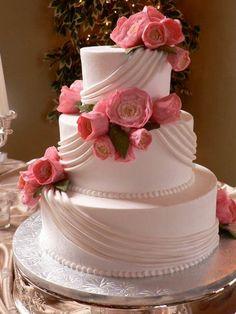 1-1-2010 Denise Flower on cake for Wedding 1