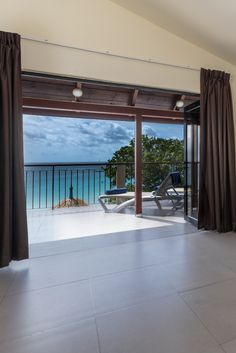 King size bed, 2 persons, 48 Ocean view room in Coral Strand Seychelles Hotels, Superior Room, 4 Star Hotels, Be Perfect, King Size, Family Travel, Coral, Island, Bed