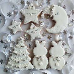 Chocolate biscuits with caramel fondant heart - HQ Recipes Christmas Sugar Cookies, Christmas Cupcakes, Christmas Treats, Gingerbread Cookies, Iced Cookies, Cute Cookies, Cupcake Cookies, Sugar Cookie Icing, Cookie Frosting