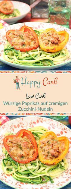 Die Paprikas surfen auf den leckeren Zucchini-Nudeln. Low Carb, ohne Kohlenhydrate, Glutenfrei, Low Carb Rezepte, Low Carb Fleisch, Low Carb Fisch, ohne Zucker essen, ohne Zucker Rezepte, Zuckerfrei, Zuckerfreie Rezepte, Zuckerfreie Ernährung, Gesunde Rezepte, #deutsch #foodblog #lowcarb #lowcarbrezepte #ohnekohlenhydrate #zuckerfrei #ohnezucker #rezepteohnezucker