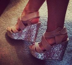 SPARKLY WEDGES. Want.