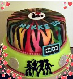 Birthday cake 80's theme