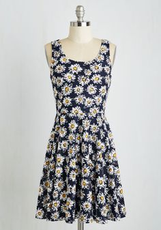 Those Were the Daisies Dress. Revel in the retro flair of this nineties-inspired sundress! #multi #modcloth