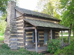 Inspirable References of Stunning Log House Plans For Lifestyle Log Cabin House Plans, Log Home Plans, Log Cabin Homes, Log Cabins, Small Log Homes, One Room Cabins, Log Cabin Exterior, Rustic Cabin Decor, Wooden House
