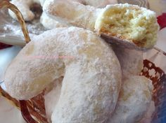 Ingrédients: 250 g de beurre 125 g de sucre 1 oeuf 1 paquet de vanille ou le zeste d'un citron 125 g de noix de coco 400 g de farine 1 sachet de levure chimique Préparation: Dans un saladier mélanger le beurre en pommade avec le sucre jusqu'à ce que le...