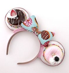 A Chocolate Lovers' Party – Desserts For Parties Mickey Mouse Ears Headband, Minnie Mouse, Easy Birthday Desserts, Crafty Projects, Art Projects, Disney Ears, Ear Headbands, Chocolate Lovers, Disney Inspired