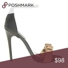 """Steve Madden MAGNLIA Platform Sandals BRAND NAME Steve Madden STYLE NAME MAGNLIA FEATURES adjustable ankle strap posh bow detail stiletto heel ORIGINAL MSRP  US$ 109.00 COLOR  Black Multi MATERIAL  Leather upper HEELS  approx. 4 3/4"""" with 1/2"""" Platform SIZE  US Sizes Listed CONDITION  New with Box Shoes Sandals"""