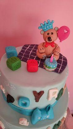 Bear 1th year cake
