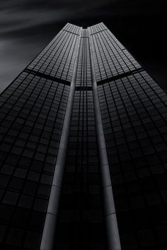 Tour Montparnasse  City and architecture photo by BildwerkerFreiburg http://rarme.com/?F9gZi