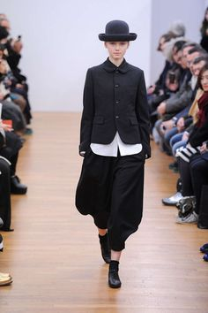 // 2013-2014 Fall/Winter COMME des GARCONS how i need a bowler. what hair though?
