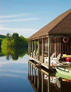 Lake house / photo by lucas allen