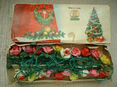 I remember my parents has these in. New York and they brought them back to Ireland - Christmas Tree Fairy Lights Vintage Christmas Lights, 1950s Christmas, Shabby Chic Christmas, Christmas Candles, Vintage Ornaments, Christmas Love, Country Christmas, All Things Christmas, Christmas Holidays