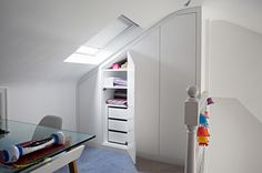 Loft kids room storage