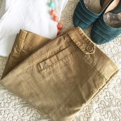 """✨SALE✨American Eagle Velvet Skirt Super fun and comfortable American Eagle velvet skirt. Hem hits about 3"""" above knee, slit hits about mid thigh. Fun detail at button fly. Very good condition. American Eagle Outfitters Skirts Mini"""
