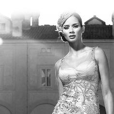 #vestidosdefiesta #vestidosdeboda #vestidodecomunión #vestidosdenoche #ocasionesespeciales #vestidosparabautizos #vestidodecocktail #vestidolargo #altacostura #vestidoconcola #vestidopalabradehonor #vestidoguipure #trajedenoche #trajedebodas #trajedospiezas #trajeunapieza #trajedevestirdemujer #trajesdeoficina #trajeselegantes #trajechaquetapantalón #vestidoselegantes #trajes #vestidosconvolantes #vestidos #vestidoscortos #ropadevestir #vestidosdemadrina #vestidosdedamadehonor…
