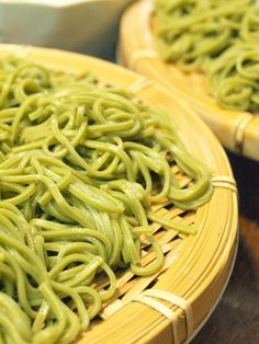 Cha soba, chilled Japanese noodles flavored with green tea 茶そば